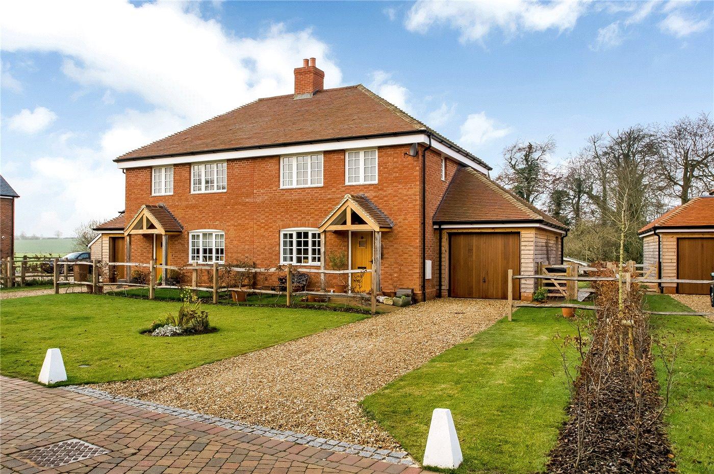 3 Bedroom Property For Sale In Ringbourne Copse Barton