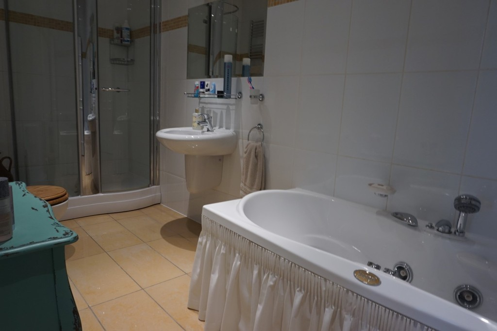 Luxury Bathrooms & Kitchens Sutton Coldfield 1 bedroom property for sale in high street, sutton coldfield