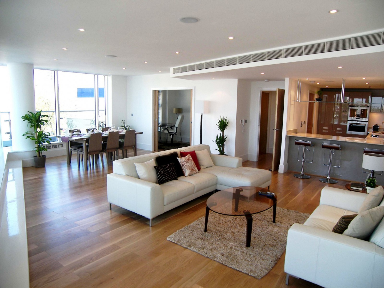 3 bedroom property to let in ensign house, wandsworth, sw18 - £900 pw