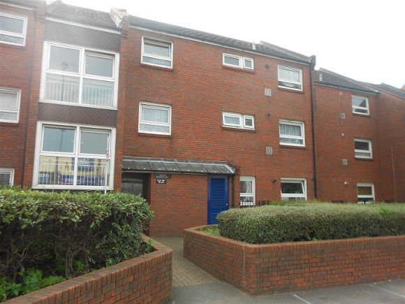 2 Bedrooms Flat for sale in Kingston Road, Portsmouth