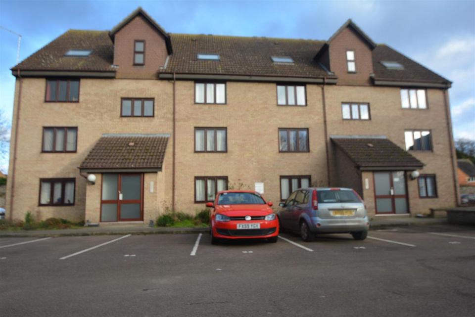Property for sale in Church Walk, Bourne