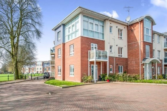 2 Bedrooms Flat for sale in Pumphouse Crescent, Watford