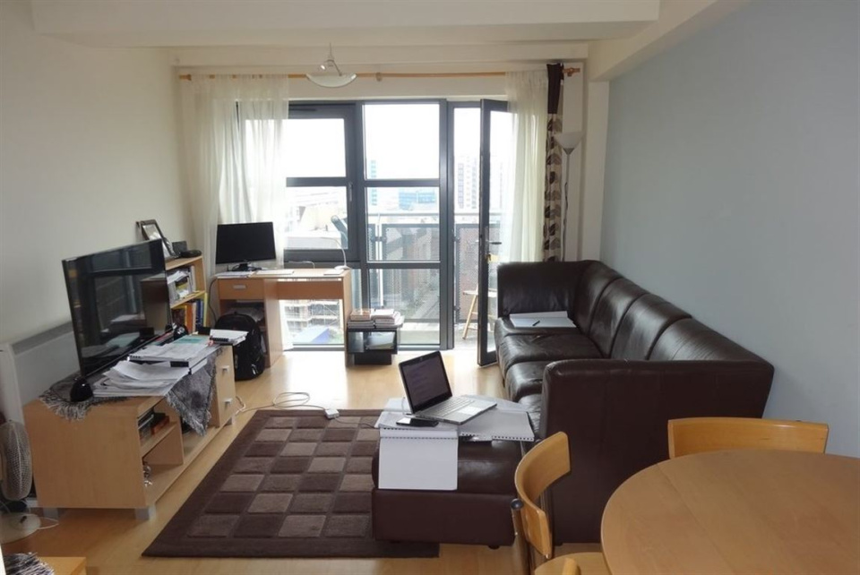 2 Bedrooms Flat for rent in West Point, S1