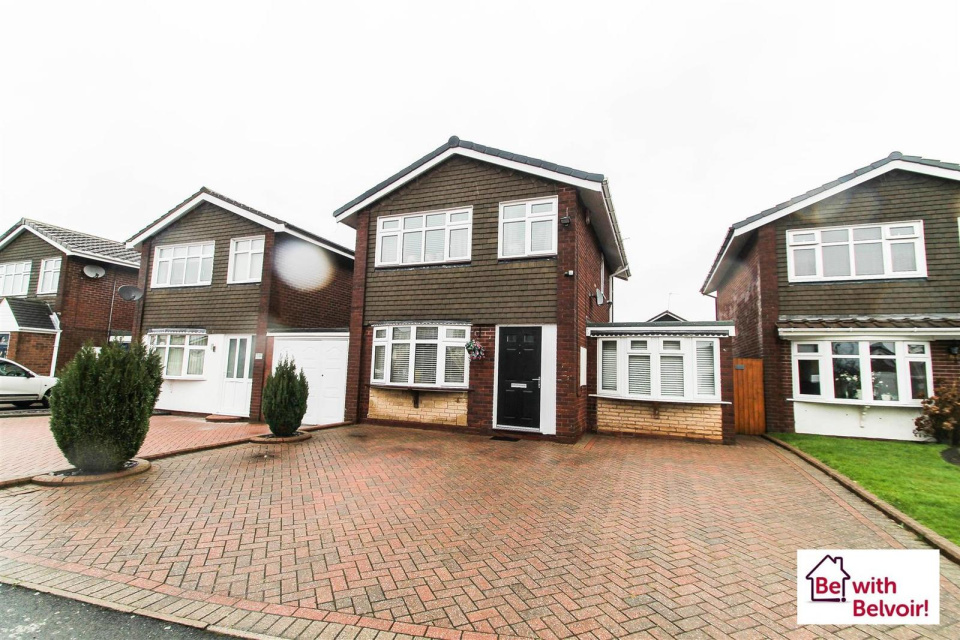 3 Bedrooms Detached House for sale in Alnwick Close, Cannock