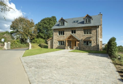 The Drive, Hillfield Village, Dartmouth, TQ6