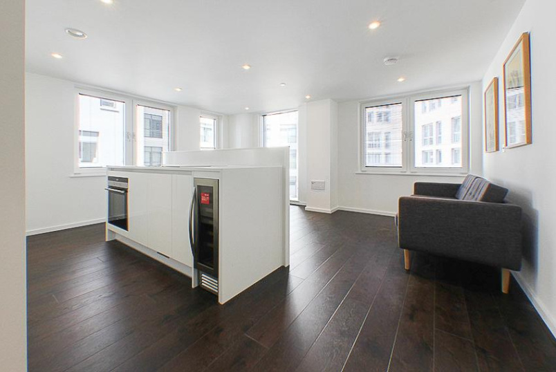 Flat/apartment to rent in Islington - Eagle Point, 161 City Road, EC1V