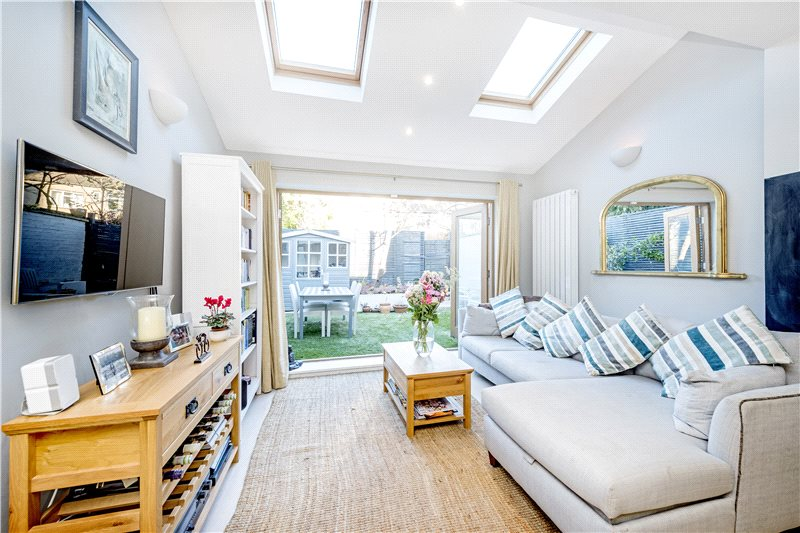 5 Bedroom Property For Sale In Priests Bridge London SW15