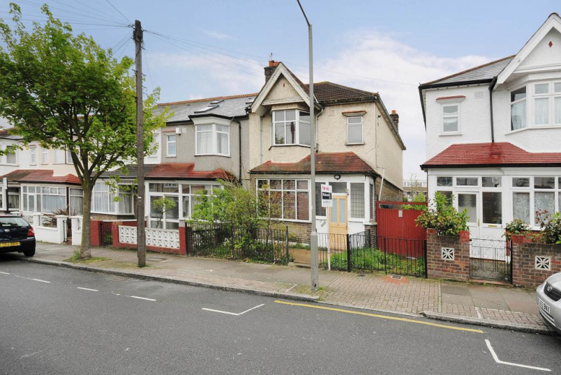 House to rent in Tooting - Avoca Road, Tooting Bec, London, SW17