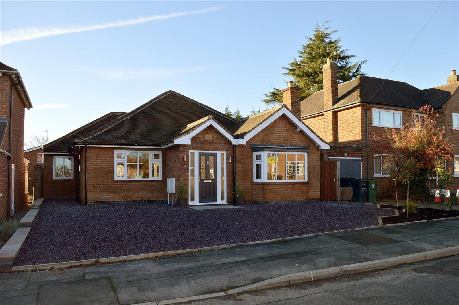 3 Bedrooms Property for sale in Shepherds Close, Loughborough