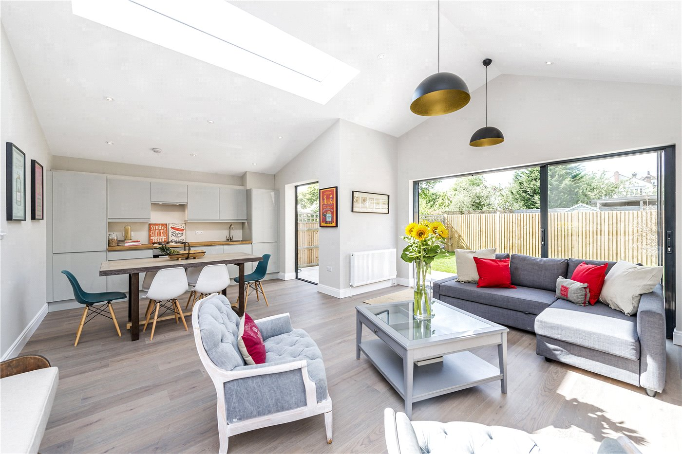 2 bedroom property for sale in Criffel Avenue London SW2 699000