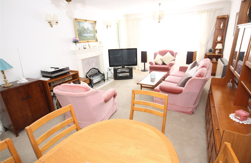 2 Bedroom Property For Sale In Hamble Court 68