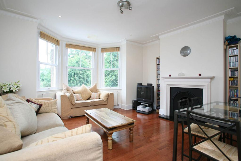 Flat/apartment to rent in Palmers Green - Hazelwood Lane, London, N13