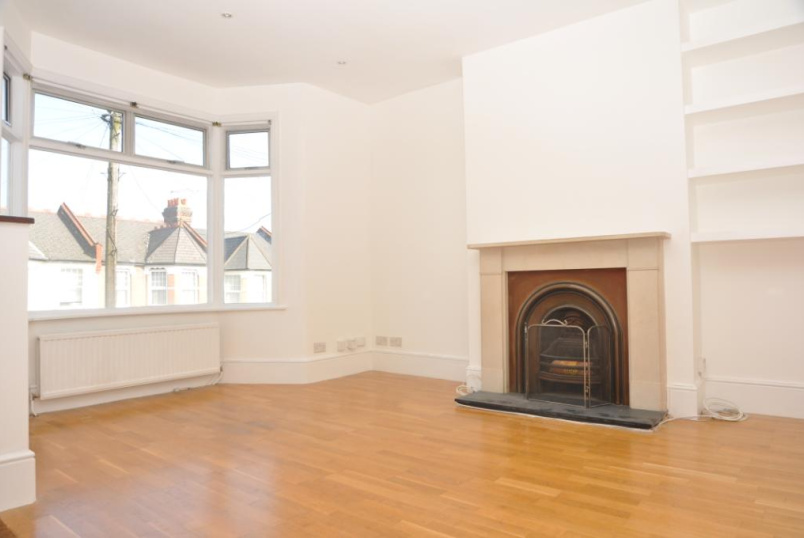 Flat/apartment to rent in Palmers Green - Kelvin Avenue, London, N13