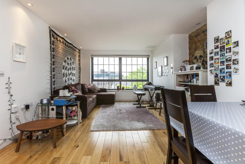 Flat/apartment to rent in Shoreditch - East One, 10 Lolesworth Court, Spitalfields, E1
