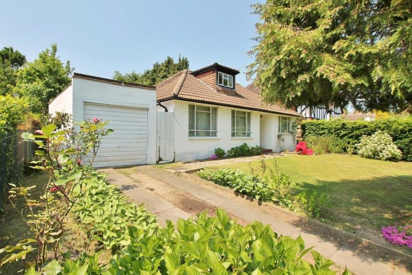 Bungalow for sale in Guildford - Trotsworth Avenue, Virginia Water, Surrey, GU25