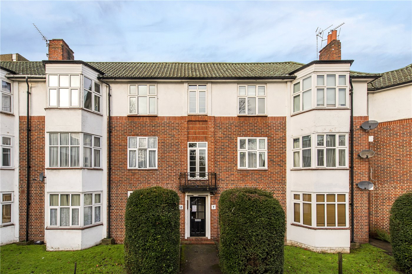 2 bedroom property to rent in Dorchester Court, Leigham Court Road ...