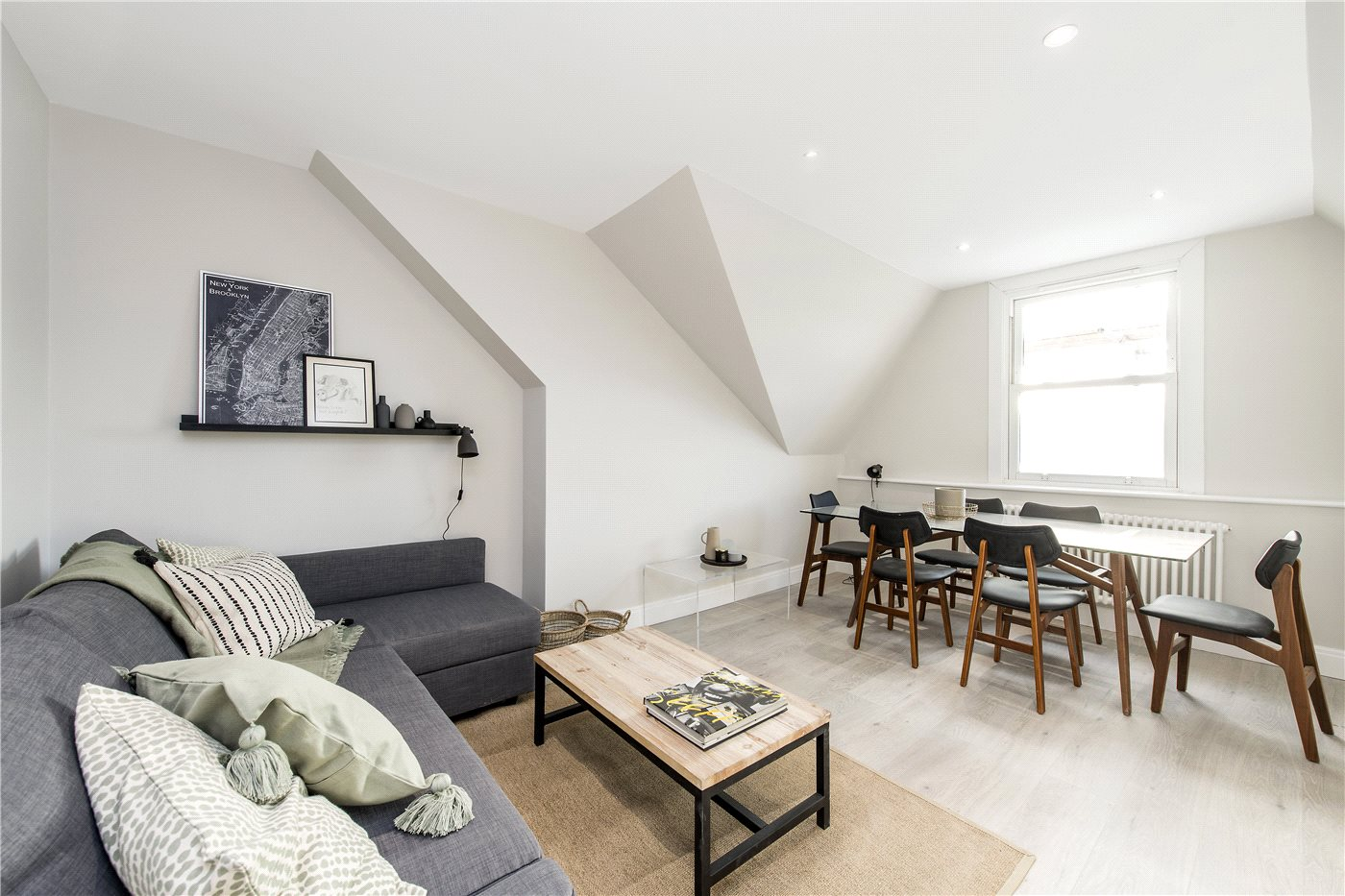 2 bedroom property for sale in Deronda Road, London, SE24 - £430,000