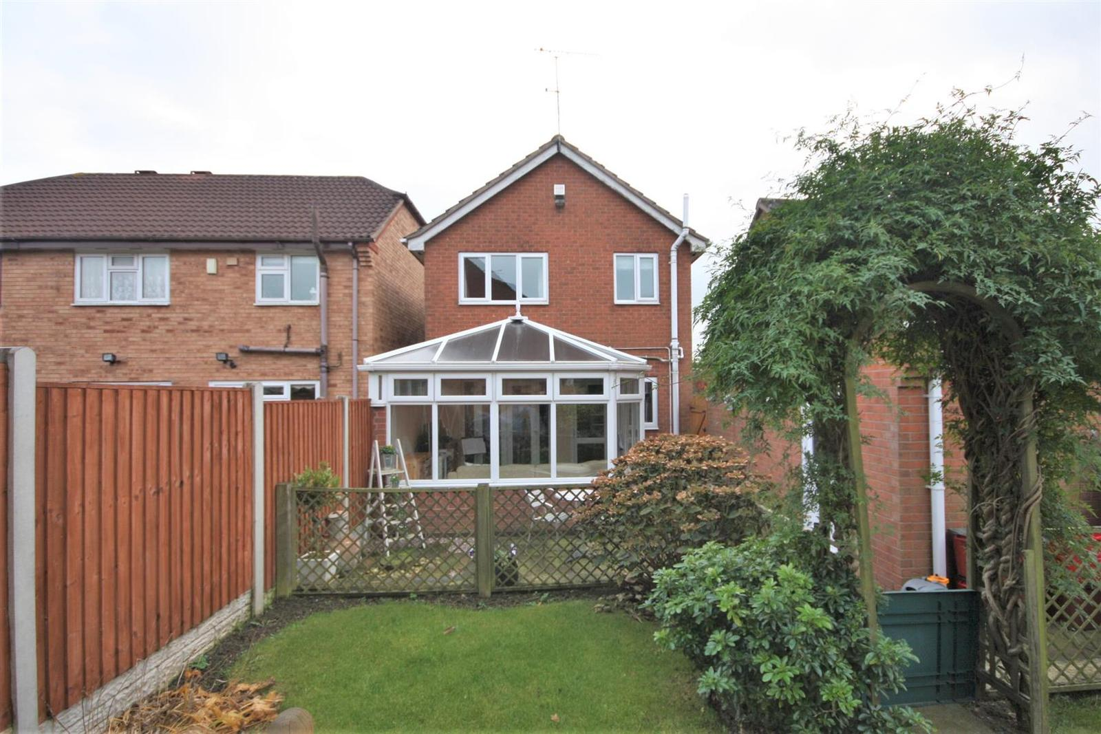 3 Bedrooms Property for sale in Robin Road, Coalville