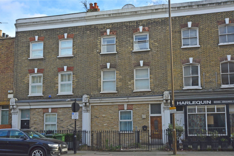 House for sale in Greenwich - Greenwich High Road, London, SE10