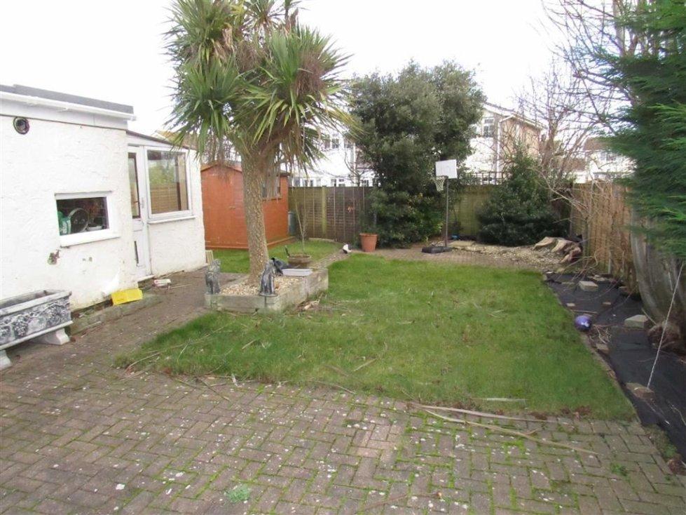 Property For Sale In Julians Acres Berrow