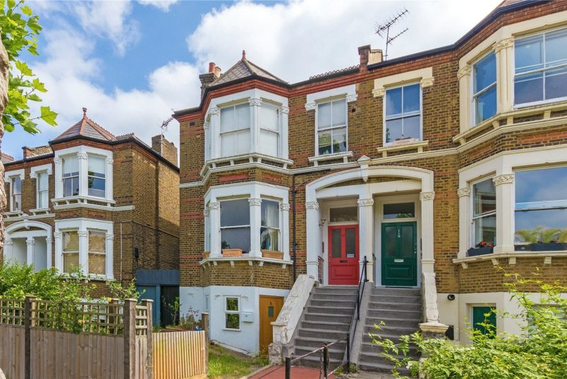 Flat/apartment for sale in New Cross - Pepys Road, London, SE14