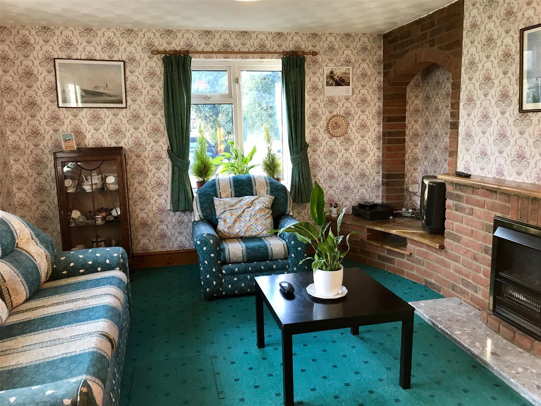 2 Bedrooms Bungalow for sale in Halton Fenside, Halton Holegate, Spilsby