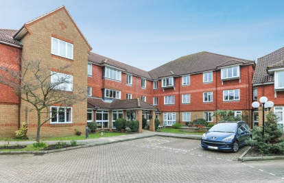WARDEN ASSISTED RETIREMENT FLAT - Allingham Court, Farncombe