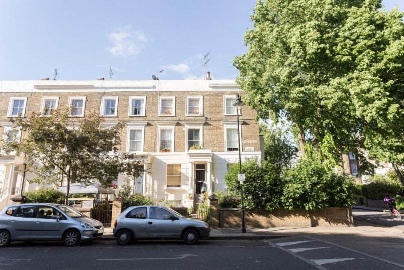 Maisonette to let - Elmore Street, De Beauvoir, N1