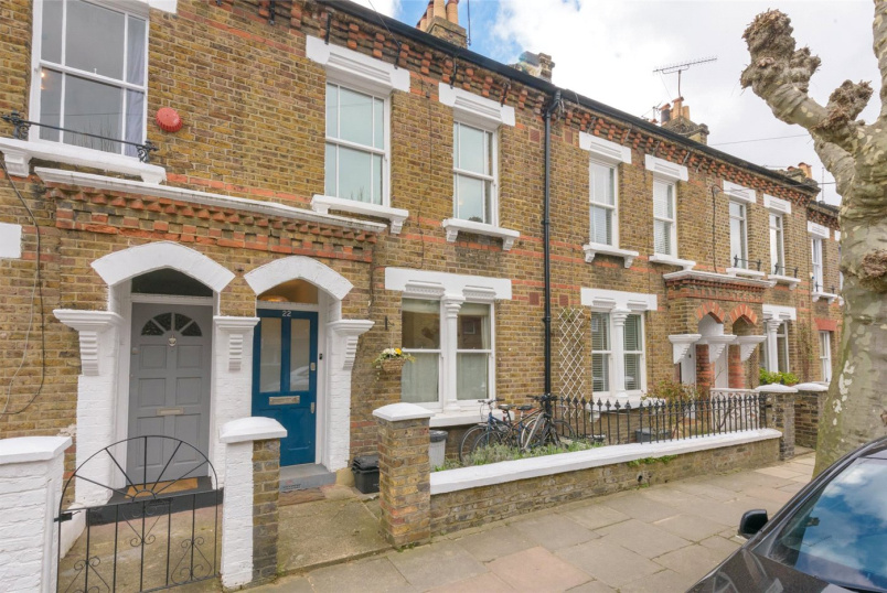 House for sale in Kensal Rise & Queen's Park - Droop Street, London, W10