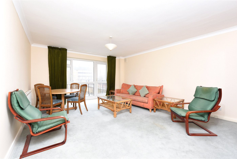 Flat/apartment to let - Queens Gate Gardens, London, SW15