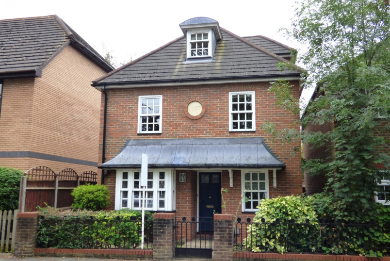 Detached house to rent in Weybridge - Thames Street, Weybridge, KT13