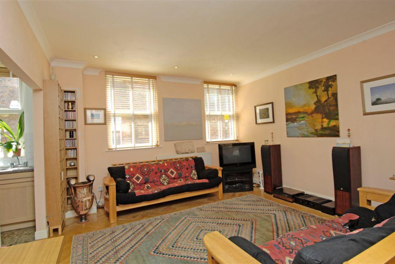 Flat/apartment to rent in Clerkenwell & City - Leather Lane, Clerkenwell, EC1N