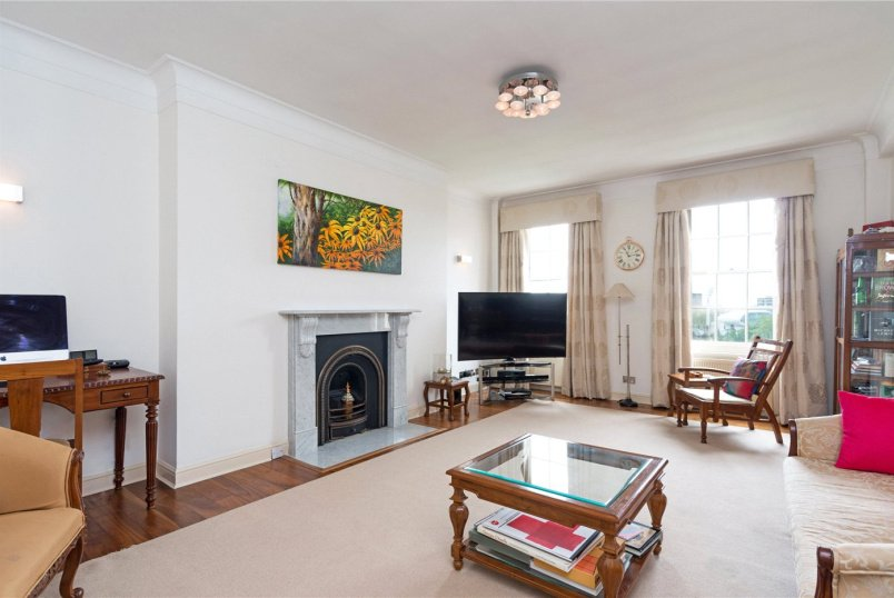 Flat/apartment to let - South Lodge, Circus Road, St John's Wood, NW8