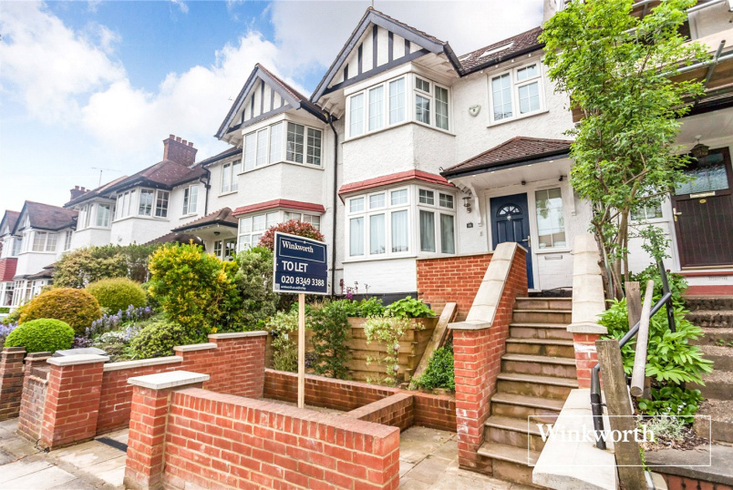 House to let - Brent Way, London, N3