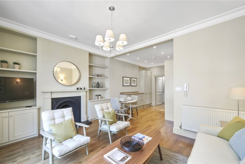 Flat/apartment to let - Walton Street, London, SW3