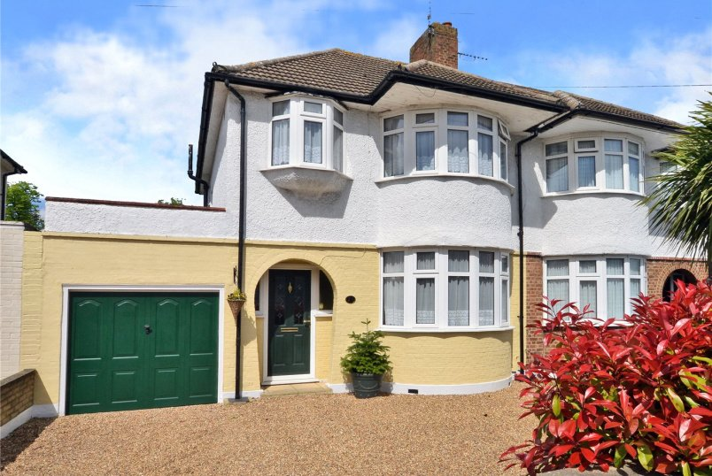 House for sale in Cheam - Litchfield Avenue, Morden, SM4