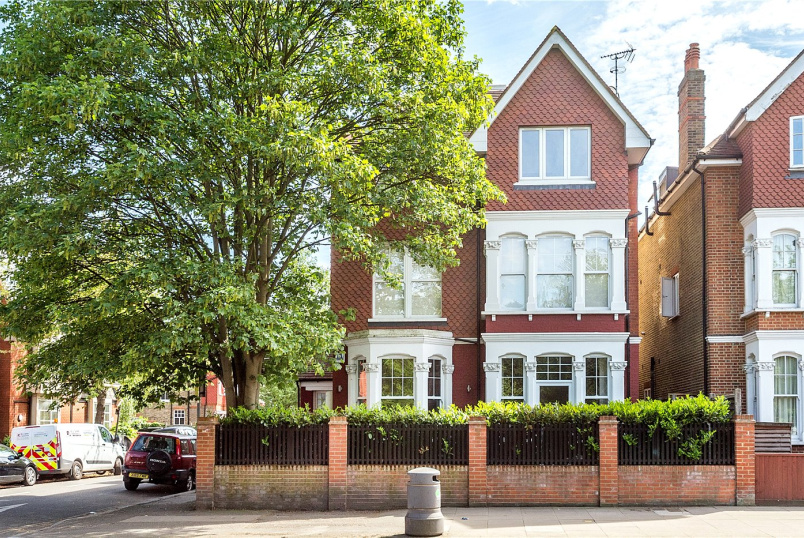 Flat/apartment for sale in Ealing & Acton - Uxbridge Road, London, W3