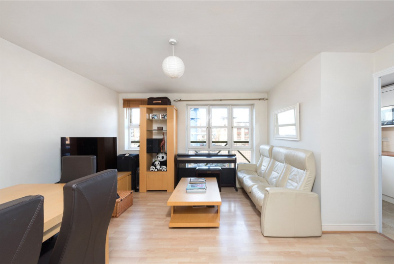 Flat/apartment for sale in Surrey Quays - Windsock Close, London, SE16