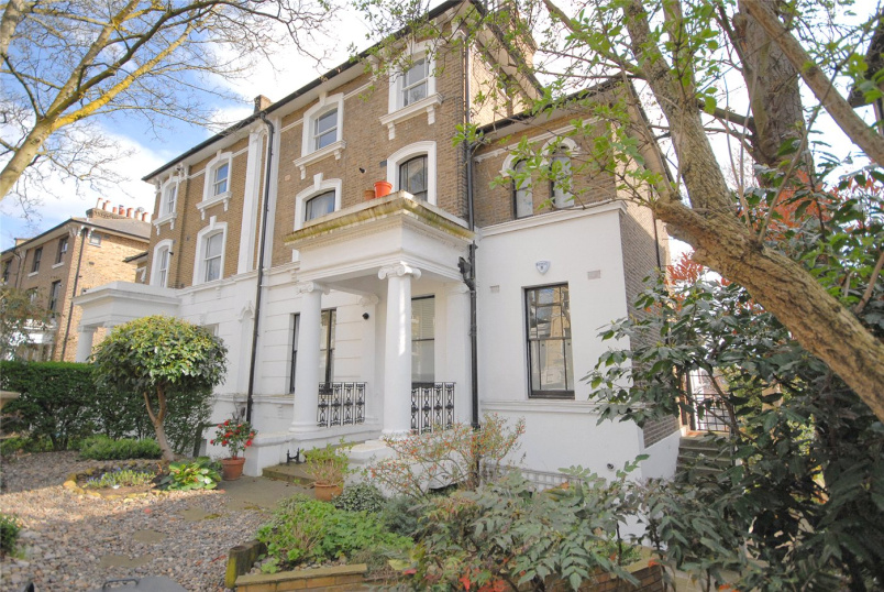Flat/apartment to let - Granville Park, London, SE13