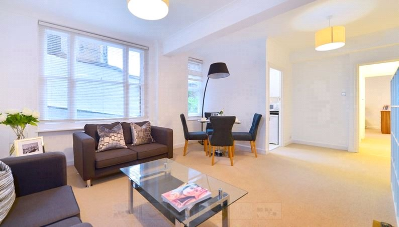 Flat/apartment to let - Hill Street, London, W1J