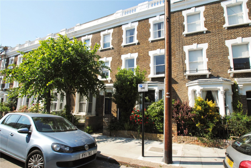 House to let - Countess Road, London, NW5