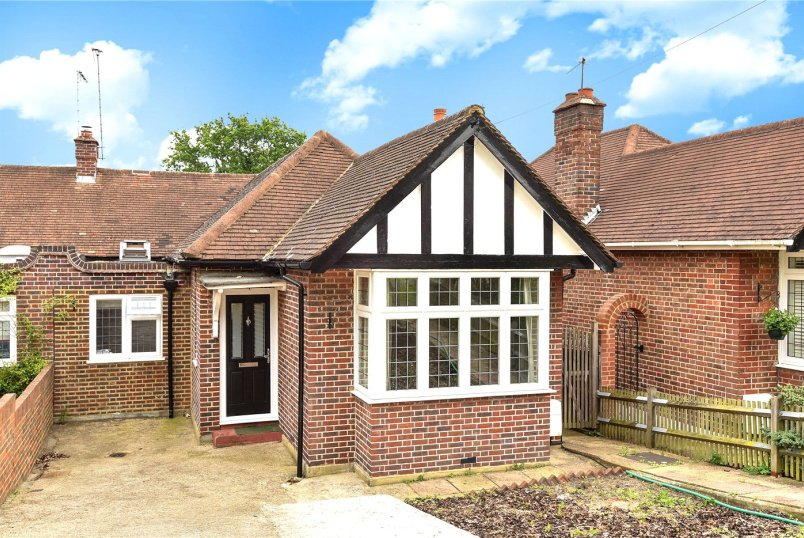 Bungalow for sale - Southwood Drive, Surbiton, KT5
