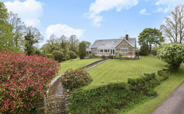 Properties For Sale Between 400000 And 600000 In Helstone Cornwall