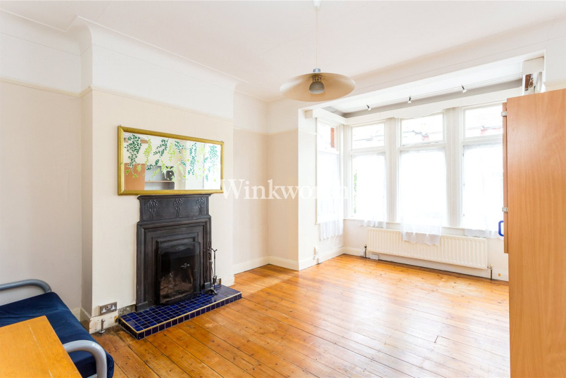Flat/apartment for sale - Park Avenue, London, N13