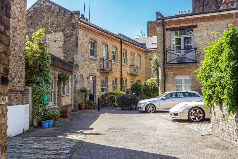 Flat/apartment for sale in Clerkenwell & City - Hardwicke Mews, London, WC1X