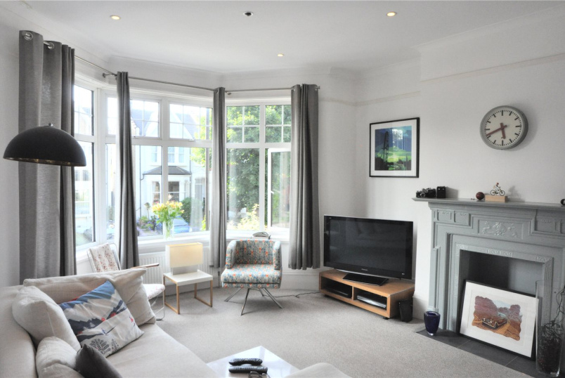 Flat/apartment to let - Old Park Road, Palmers Green, N13