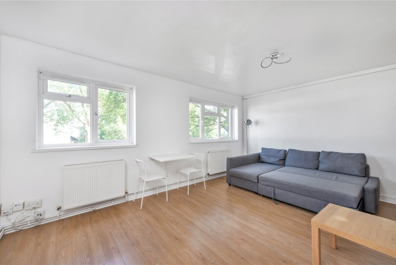 to let - Quinton Court, Spencer Road, W4