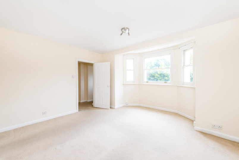 Flat/apartment to rent in Streatham - Mount Ephraim Road, Streatham, SW16