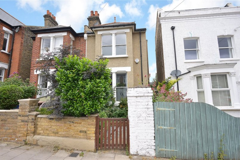 House new instruction - Dunstans Road, East Duwlich, SE22
