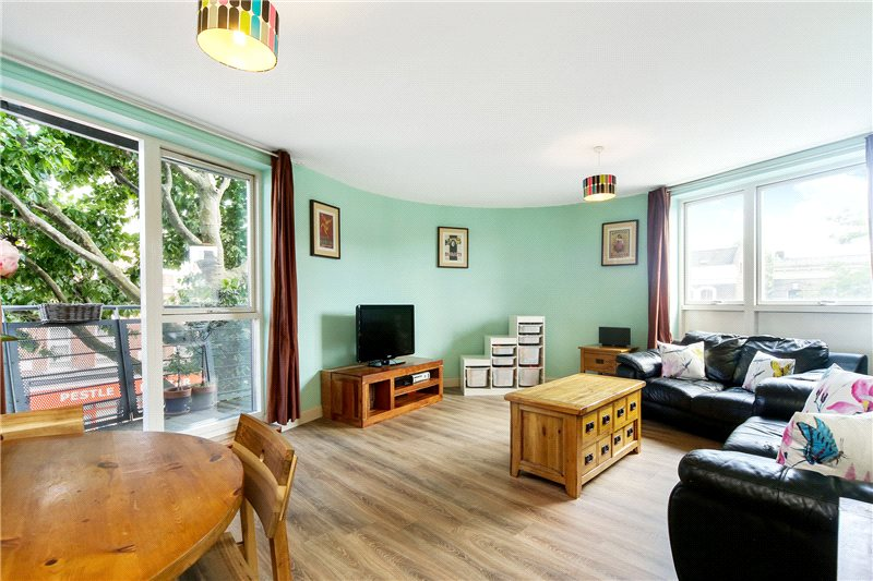 Flat/apartment to let - Oaklands Court, 394 Uxbridge Road, London, W12